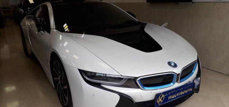 کارشناسی خودرو ب ام و i8 از نظر بدنه، فنی، دیاگ و .. توسط اتوکارشناس