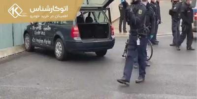 هجوم یک خودرو به در ورودی محل اقامت مرکل
